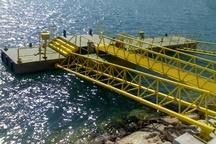 افزوده شدن یک فروند اسکله شناور جدید به بندرگاه جزیره هرمز