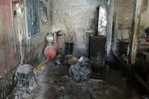مغازه مکانیکی به علت بخاری غیراستاندارد آتش گرفت