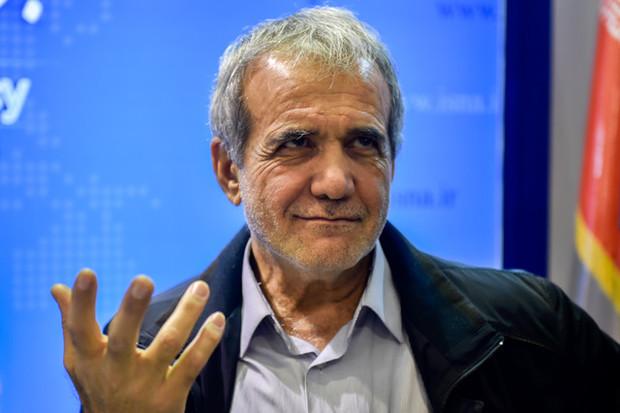 پزشکیان از کاندیداهای شورای شهر تبریز اعلام حمایت نکرده است