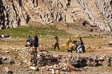 با حمایت خیرین مسیر کوچ عشایر خوزستان به لرستان تسهیل شد
