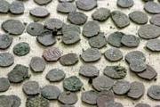 کشف ۴۴۵ قطعه سکه دوره سلجوقیان و یک قبضه خنجر  دستگیری یک متهم