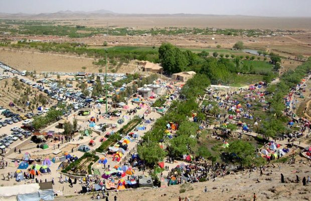 آمادگی کهن شهر مهریز برای پذیرایی از مسافران نوروزی