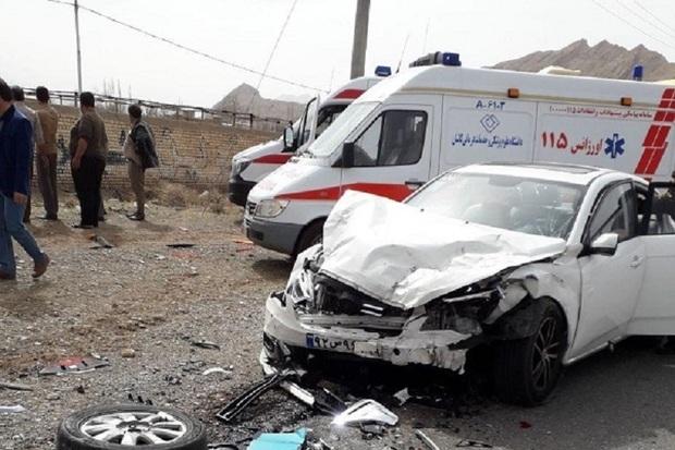 آسیب دیدگان حادثه های رانندگی در کاشان به 27 نفر رسید