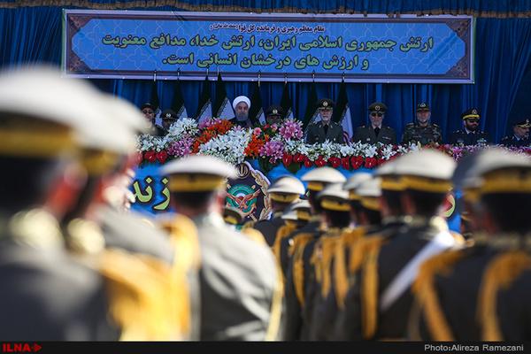 رژه نیروهای مسلح در میدان آذربایجان تبریز