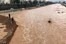 قطعی آب و برق ۷۵ روستای معمولان براثر سیل  مسدود شدن جاده خرمآباد-پلدختر +عکس