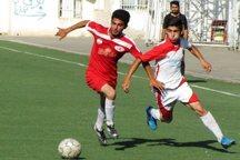تیم فوتبال نونهالان فولاد یزد از البدر بندر کنگ شکست خورد