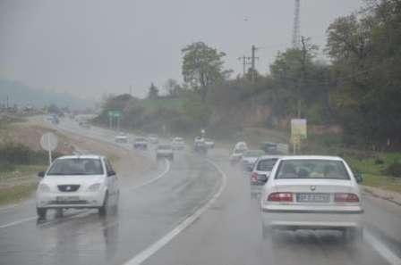 رانندگان در جاده های لغزنده احتیاط بیشتری کنند