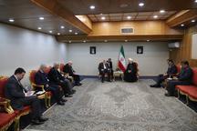 روحانی در حاشیه کنفرانس بین المللی انتفاضه با جمعی از مقامات دیدار کرد