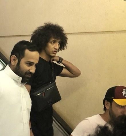 حضور عمر عبدالرحمن در ریاض برای عقد قرارداد با الهلال + عکس