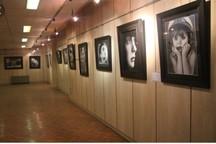 آثار نقاشی هنرمندان الوند به نمایش درآمد