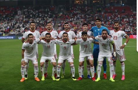 تیم ملی با بدرقه هواداران و با اسکورت راهی دبی شد