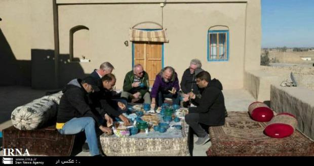 گردشگران آلمانی در نمایشگاه ITB سیستان و بلوچستان را معرفی می کنند