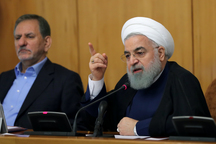 روحانی: گفتم قیمت ارز را پایین  بیاورید تا مردم بخرند/ ایران در کنوانسیون خزر امتیازات خاصی گرفت/ سهم روسیه 17 درصد از مجموع دریا شد آمریکا خود شرایط مذاکره را از بین برده است/ بانک مرکزی و وزرا دولت هر چه هست و هر کاری میکنند، باید به مردم گزارش دهند