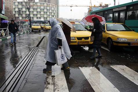 پیش بینی رگبار و رعد و برق در تهران