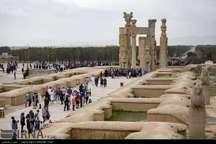 ورود بیش از 390 هزار گردشگر خارجی به فارس در سال 95