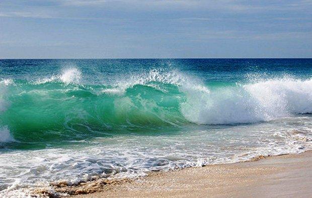دریای خلیج فارس و تنگه هرمز مواج می شود