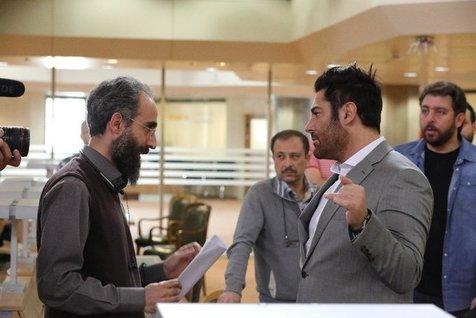 محمدرضا گلزار پشت صحنه مسابقه بزرگ تلویزیونی+  عکس