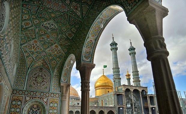 تشرف 30 تن به دین اسلام درحرم حضرت معصومه(س)