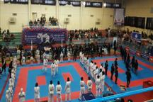 فرماندار سنندج: حضور بانوان در میادین ورزشی در سلامت جامعه موثر است