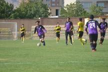 تیم های فوتبال اراک و بندرعباس به نتیجه مساوی تن دادند