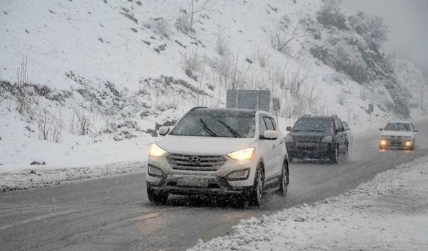 کولاک تردد خودروها را در مسیر بجنورد - اسفراین مختل کرد