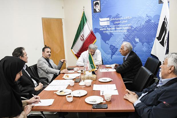 میزگرد 'نقش آمار در توسعه کشور' در ایرنا اصفهان برگزار شد