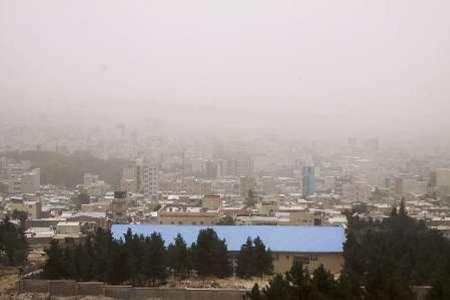 گرد و غبار آسمان زنجان را فرا می گیرد