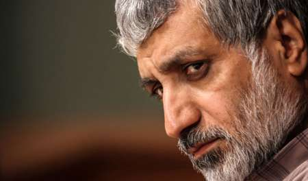 استاد دانشگاه تهران: دانشگاه های غرب به دین رو آورده اند