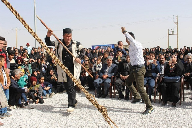 جشنواره عشایری و روستایی بازی های محلی در ابرکوه برگزار شد