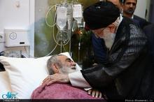 عیادت رهبر انقلاب از آیت الله مظاهری+عکس
