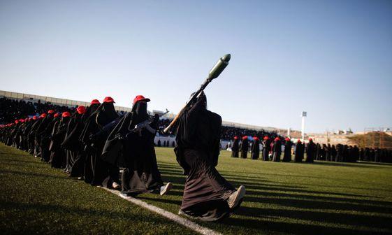 رژه زنان مبارز یمنی