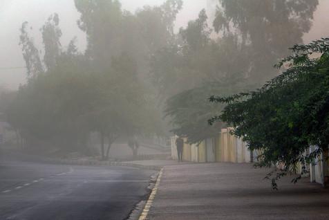وزش باد در مناطق مرکزی کشور