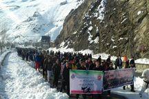 کوهپیمایی 2000 نفری رزمی کاران استان تهران توچال برگزار شد