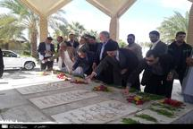 وزیر فرهنگ و ارشاد اسلامی به مقام شامخ شهدا ادای احترام کرد