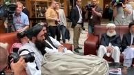 عکس/ نخستین حضور معاون سیاسی طالبان مقابل دوربین های خبری
