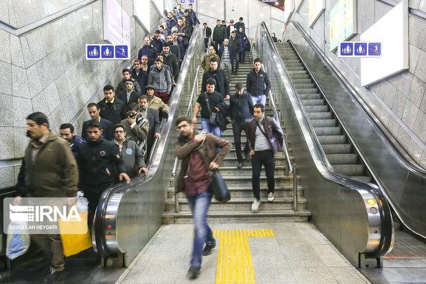 سه ایستگاه مترو تهران به پله برقی مجهز شد