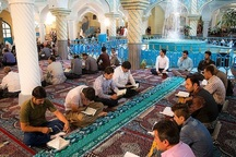 محفل جزء خوانی قرآن کریم در مسجد جامع سنندج برپا شد