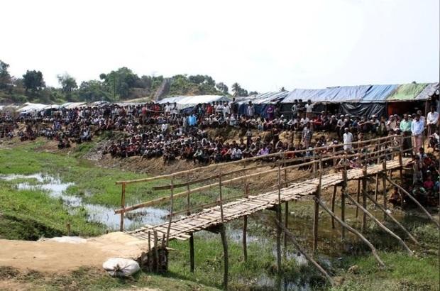 سیل چادرهای پناهندگان مسلمان میانماری را زیر آب برد