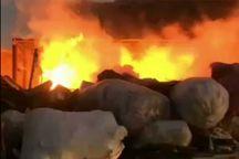آتشسوزی انبار ضایعات میبد مهار شد