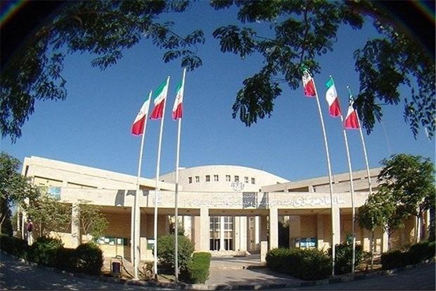 جمعی ازکارکنان بهداشت و درمان خوزستان خواستار مطالبات هستند