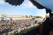 رئیسجمهور روحانی: مردم ایران اجبار نمیپذیرند/ امروز برخی از اینترنت پرسرعت زیاد خوششان نمیآید/ با فشار و انسداد به جایی نمیرسیم/ لج بازی با مردم به ضرر کشور است/ در سال 96 با هم عهد و پیمان بستیم که به عقب برنخواهیم گشت
