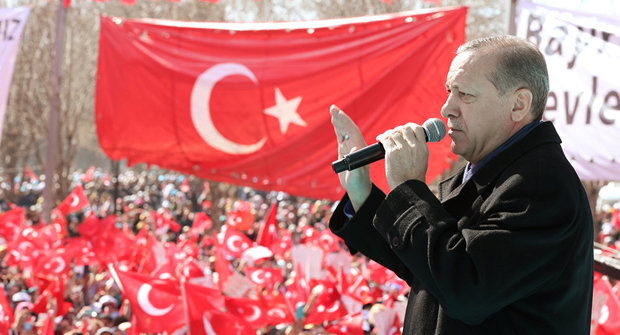 رئیسجمهور ترکیه: تسلیحات یک کشور عضو ناتو در دست داعشیهاست