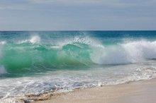 دریای خلیج فارس روز یکشنبه مواج است