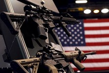 مردم آمریکا 50 درصد از سلاح های موجود در جهان را در اختیار دارند