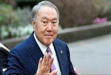 رئیس جمهور قزاقستان پس از سه دهه حکومت از قدرت کناره گیری کرد+عکس