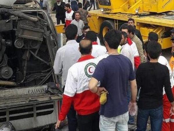 حادثه واژگونی اتوبوس تبریز- تهران با 22 کشته و زخمی