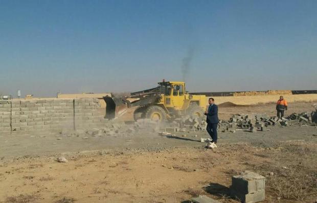 10 هزار مترمربع از اراضی کشاورزی ورامین آزاد شد