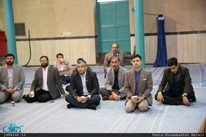 بازدید جمعی از استادان و دانشجویان دانشگاه دفاع ملی پاکستان از بیت امام خمینی (س) در جماران