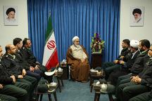 نیروی انتظامی پناهگاه و چشم امید مردم است
