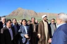 وزیر راه و شهرسازی از طرح های عمرانی حوزه راه ملایر بازدید کرد